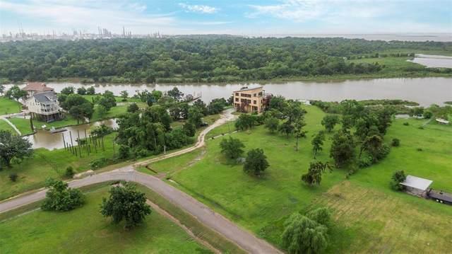 305 Winkler Street, Baytown, TX 77520 (MLS #4404483) :: My BCS Home Real Estate Group