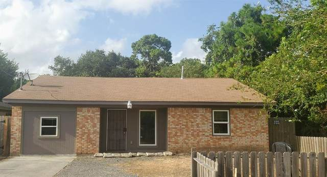 2318 Thompson Street, La Marque, TX 77568 (MLS #44059079) :: The SOLD by George Team
