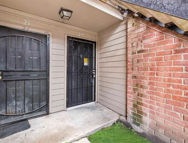 12500 Sandpiper Drive #27, Houston, TX 77035 (MLS #44080589) :: The SOLD by George Team