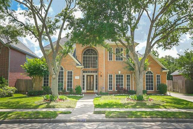 2323 Alberton Lane, Pearland, TX 77584 (MLS #44091962) :: The SOLD by George Team
