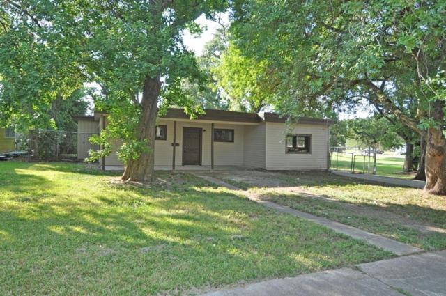 102 Huisache Street, Lake Jackson, TX 77566 (MLS #44094929) :: Giorgi Real Estate Group