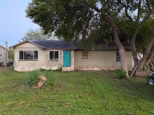 812 Olive Street, Jourdanton, TX 78026 (MLS #44158206) :: The SOLD by George Team