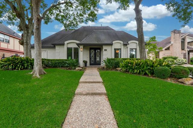 1410 Crystal Hills Drive, Houston, TX 77077 (MLS #44171954) :: Texas Home Shop Realty