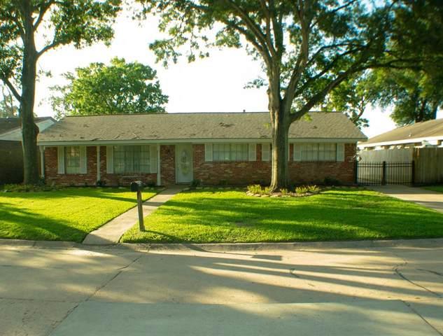2223 Bayou Drive, League City, TX 77573 (MLS #44199122) :: Caskey Realty