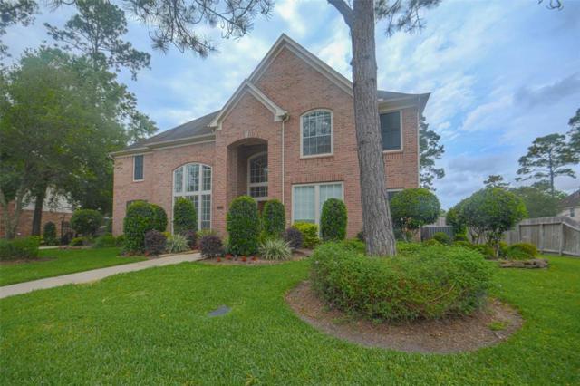 714 Hidden Woods Lane, Friendswood, TX 77546 (MLS #44257790) :: The Kevin Allen Jones Home Team