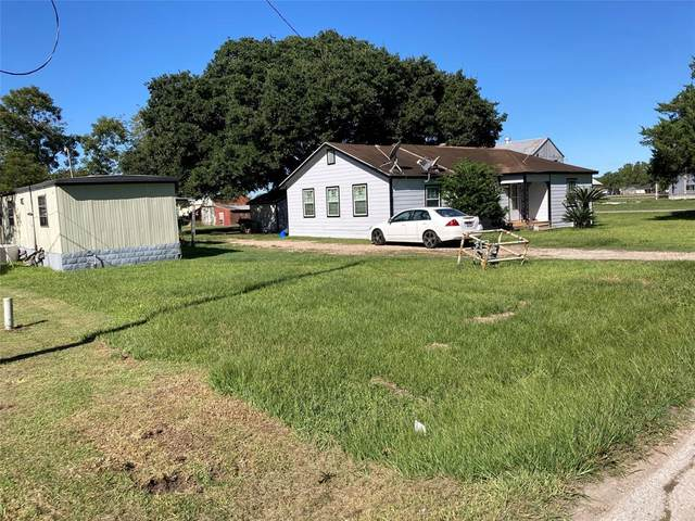 210 S 1st Street, Beasley, TX 77417 (MLS #44302458) :: The Bly Team