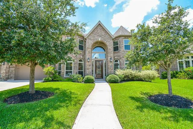 13618 Fountain Mist Drive, Pearland, TX 77584 (MLS #44387379) :: The SOLD by George Team