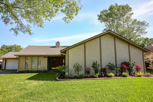 15803 Buccaneer Lane, Houston, TX 77062 (MLS #44428614) :: Bay Area Elite Properties