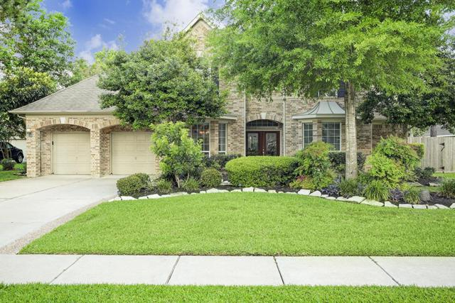 712 Red Oak Lane, Friendswood, TX 77546 (MLS #44507903) :: The SOLD by George Team