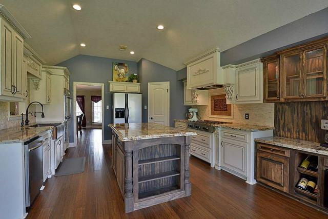 128 April Wind Drive, Montgomery, TX 77356 (MLS #44587740) :: REMAX Space Center - The Bly Team