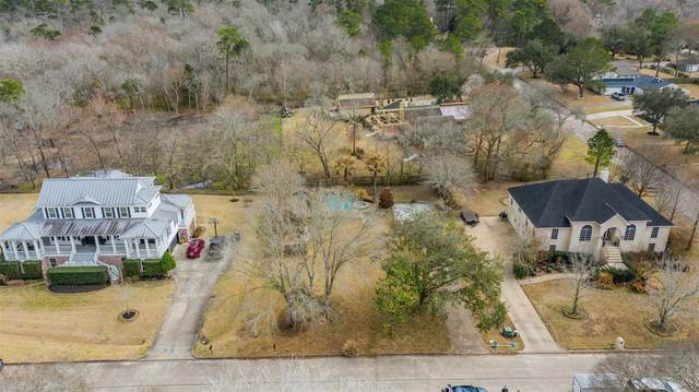 503 Independence Drive, Friendswood, TX 77546 (MLS #44610666) :: Christy Buck Team