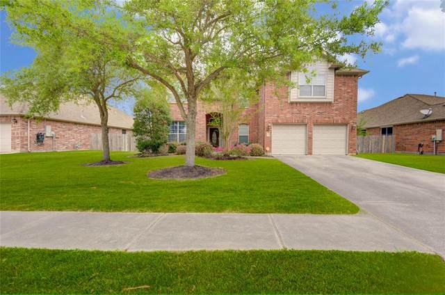 1757 Silver Bend Drive, Dickinson, TX 77539 (MLS #44623126) :: Ellison Real Estate Team