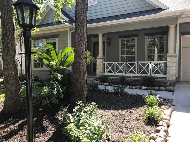 27 Pipers Meadow Street, The Woodlands, TX 77382 (MLS #44647684) :: The Parodi Team at Realty Associates
