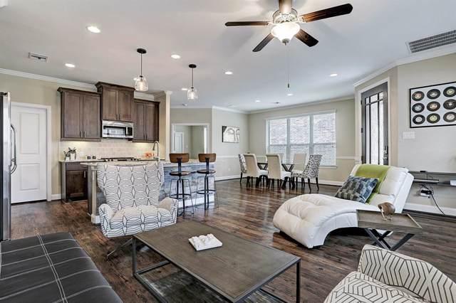 711 Via Lago, Webster, TX 77598 (MLS #44673474) :: Texas Home Shop Realty
