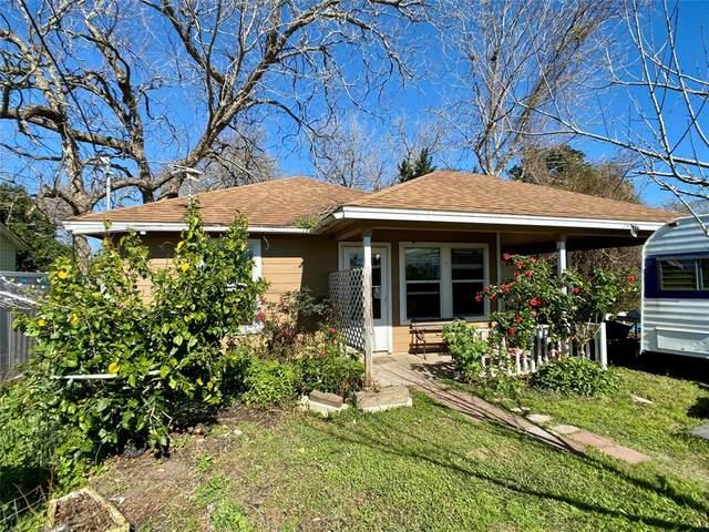 408 N Oak Street, Sweeny, TX 77480 (MLS #44679457) :: The Jill Smith Team