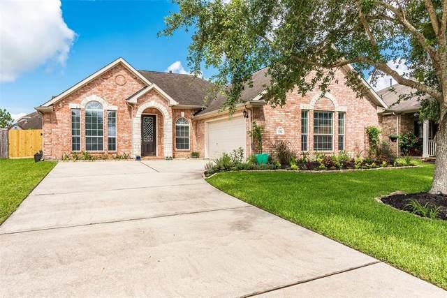106 Sandstone Bend Lane, Dickinson, TX 77539 (MLS #44780847) :: The SOLD by George Team