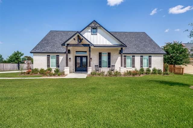 1016 Southern Oaks Drive, Angleton, TX 77515 (MLS #44917249) :: Caskey Realty