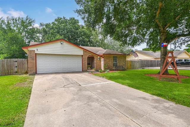 1009 Killarney Avenue, Friendswood, TX 77546 (MLS #44964141) :: The Freund Group