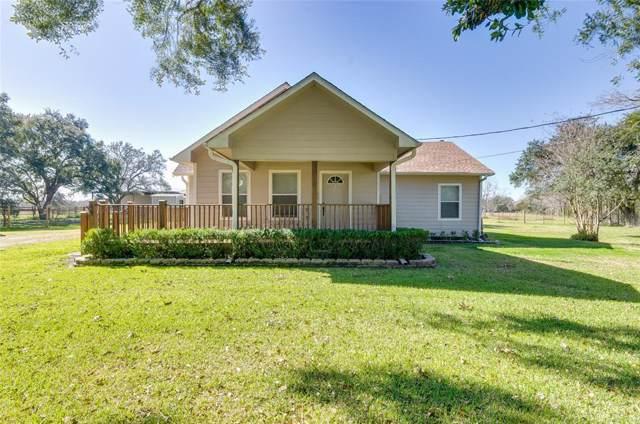 18718 N Highway 35, Alvin, TX 77511 (MLS #45006073) :: NewHomePrograms.com LLC