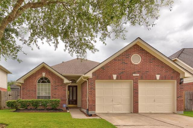17014 Hidden Treasure Circle, Friendswood, TX 77546 (MLS #45014042) :: Rachel Lee Realtor