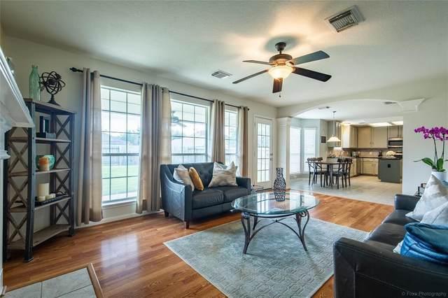 17911 Timber Crossing Lane, Cypress, TX 77433 (MLS #45015093) :: My BCS Home Real Estate Group