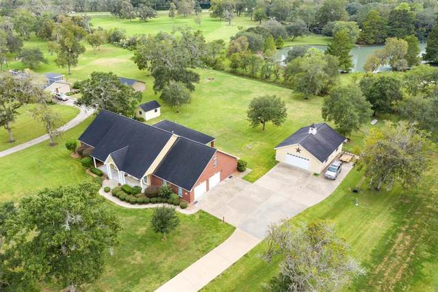 359 Westwood Road, Angleton, TX 77515 (MLS #4503560) :: Texas Home Shop Realty