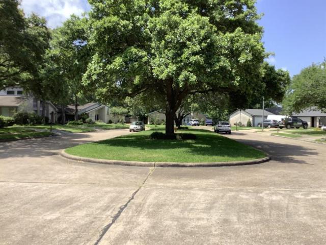 13714 Oakmead Drive, Sugar Land, TX 77498 (MLS #45083979) :: Texas Home Shop Realty
