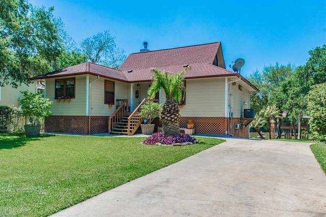 1619 Old River Road County Rd 244A, Brazoria, TX 77422 (MLS #45177709) :: Michele Harmon Team