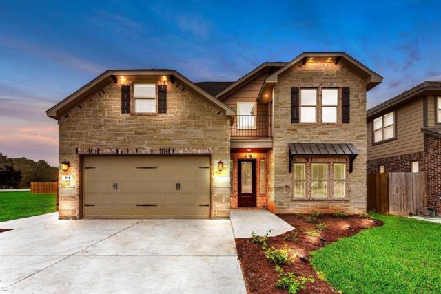 912 Roberts Street, East Bernard, TX 77435 (MLS #45270248) :: The Jennifer Wauhob Team