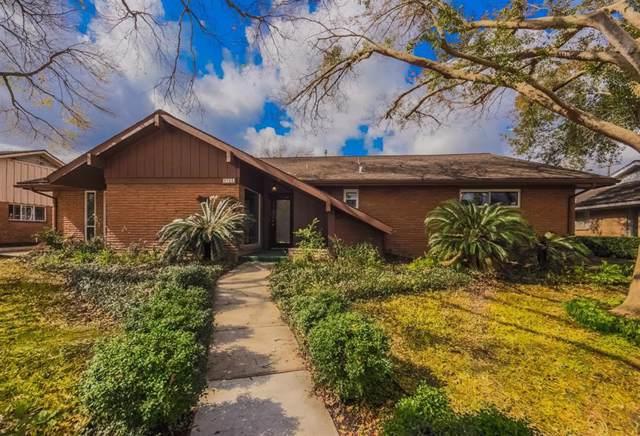 9706 Oasis Drive, Houston, TX 77096 (MLS #45295192) :: Texas Home Shop Realty