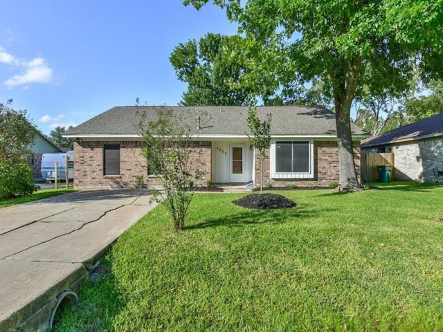 3425 Meadowville Drive, Pearland, TX 77581 (MLS #45436097) :: Christy Buck Team