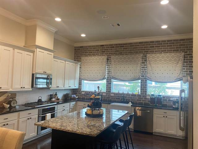 2056 Laurie Darlin Drive, Conroe, TX 77384 (MLS #45489255) :: The Freund Group
