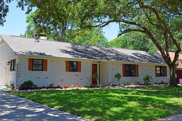 209 Biscayne Boulevard, El Lago, TX 77586 (MLS #45519142) :: Rachel Lee Realtor