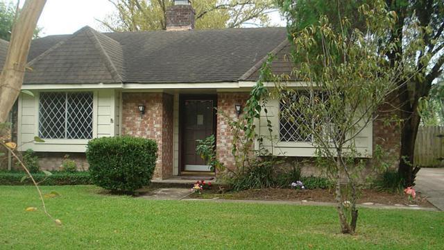 12939 Westella Drive, Houston, TX 77077 (MLS #45520270) :: Giorgi Real Estate Group