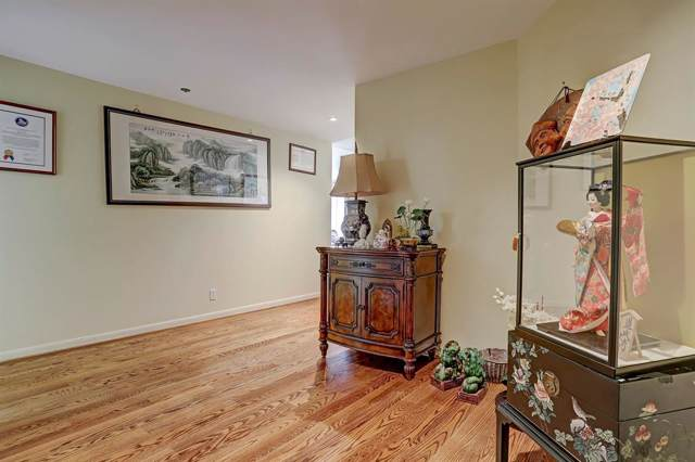 3350 Mccue Road #1402, Houston, TX 77056 (MLS #45575955) :: The Heyl Group at Keller Williams