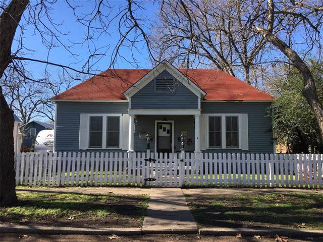 405 Short Street, Smithville, TX 78957 (MLS #45621921) :: The SOLD by George Team