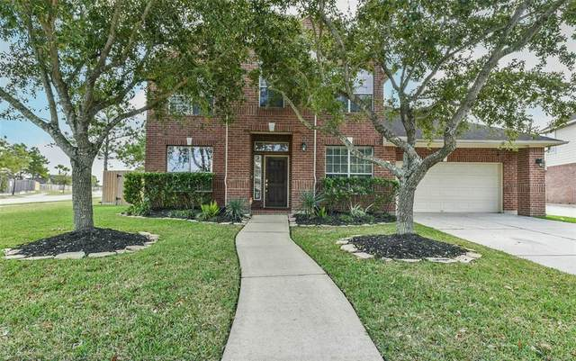 3402 Wellbrook Court, Pearland, TX 77581 (MLS #45769657) :: The Freund Group