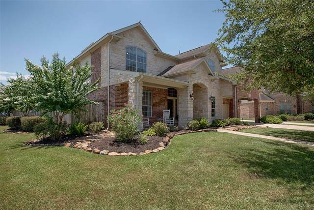 211 Grand Creek Court, League City, TX 77573 (MLS #45782130) :: Bay Area Elite Properties