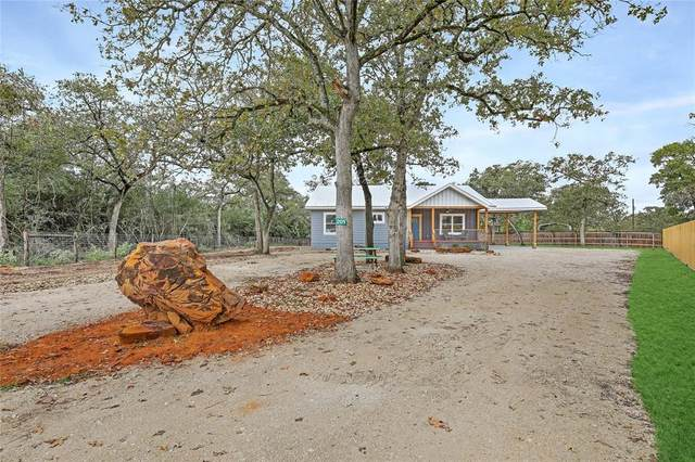 201 Northwood Drive, Somerville, TX 77879 (MLS #45823555) :: My BCS Home Real Estate Group