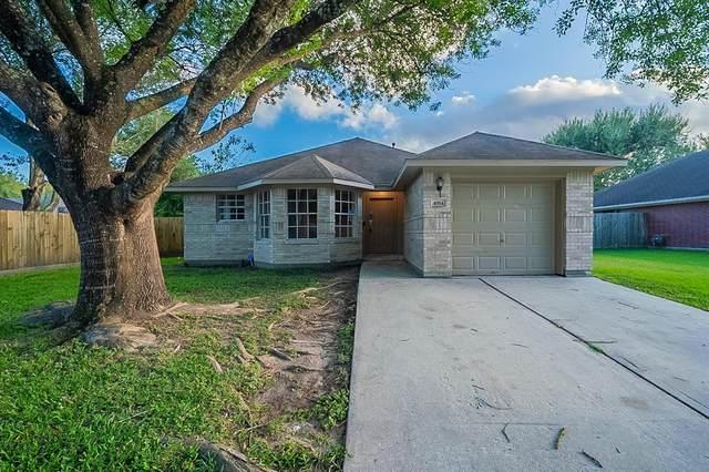 4914 Woodford Street, Baytown, TX 77521 (MLS #45836335) :: Rachel Lee Realtor