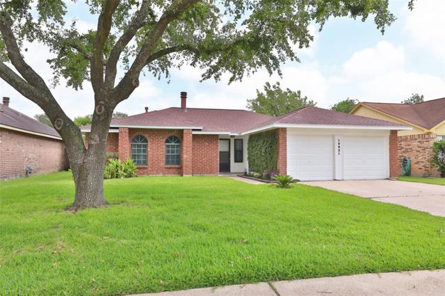 10921 Pecan Drive, La Porte, TX 77571 (MLS #45843084) :: The Queen Team