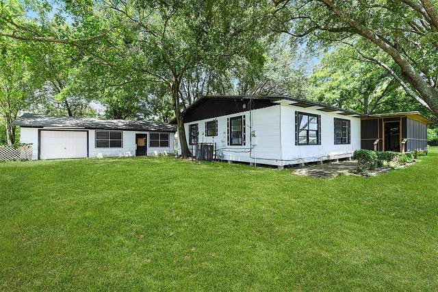 206 E Canal Road, Highlands, TX 77562 (MLS #45942083) :: The SOLD by George Team