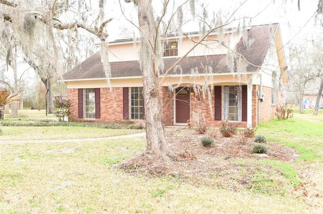 444 Southern Oaks Drive, Lake Jackson, TX 77566 (MLS #46029049) :: Connell Team with Better Homes and Gardens, Gary Greene
