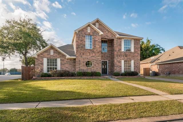 2501 Pinebrook Lane, Seabrook, TX 77586 (MLS #46062595) :: The Bly Team