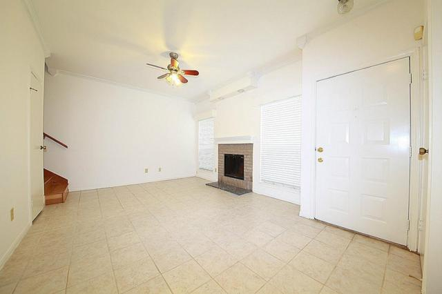 8299 Cambridge #304, Houston, TX 77054 (MLS #46066032) :: REMAX Space Center - The Bly Team