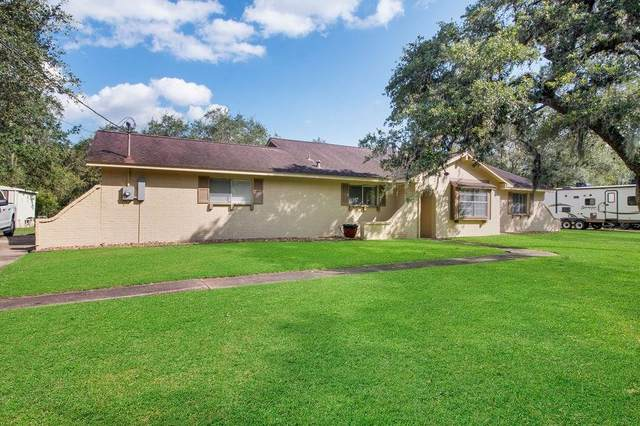 569 County Road 687, Angleton, TX 77515 (MLS #46148571) :: The Home Branch