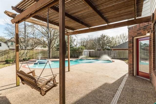 215 Mango, Lake Jackson, TX 77566 (MLS #46229860) :: The SOLD by George Team