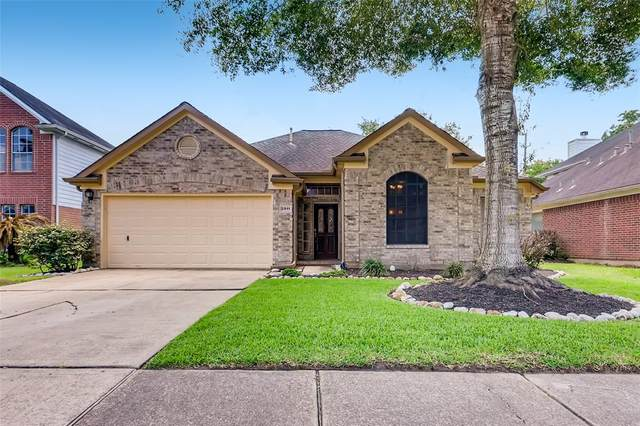 2911 Foxden Drive, Pearland, TX 77584 (MLS #46427856) :: The SOLD by George Team