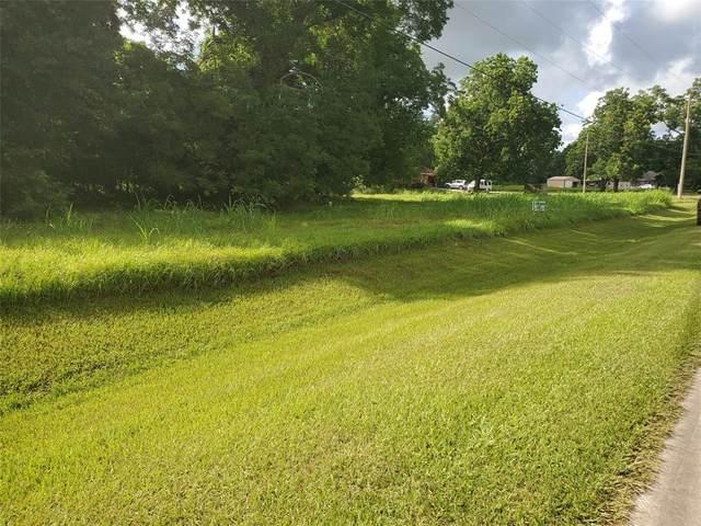 537 Wagon Wheel Trail, Angleton, TX 77515 (MLS #46623041) :: Keller Williams Realty