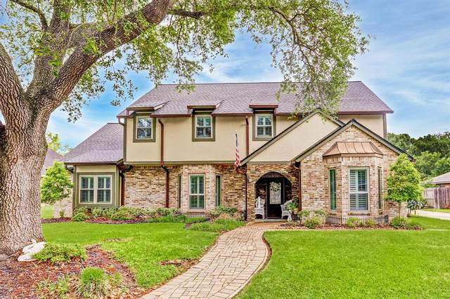 209 Meadow Ln, Sealy, TX 77474 (MLS #46737162) :: The SOLD by George Team